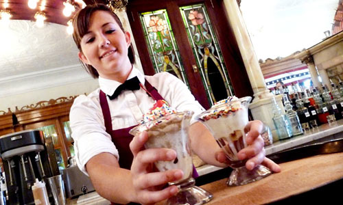 Zaharakos-ice-cream-girl