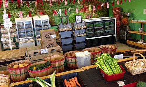 Dailys farm market interior